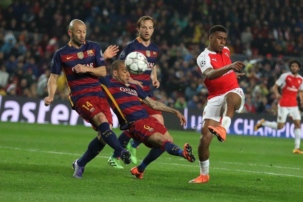 iwobi shoots against barcelona aksc