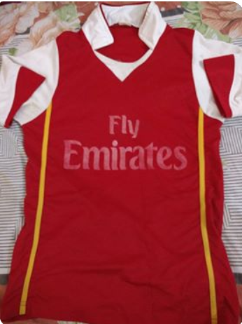 Dinil's first Arsenal replica kit
